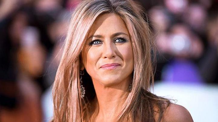"""Revista People A DECIS. Ea este """"cea mai frumoasă femeie din lume"""""""