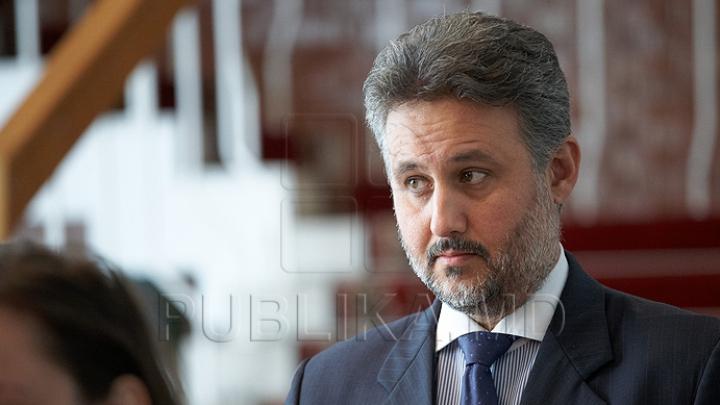 Mesajul adresat de premierul Pavel Filip ambasadorului României Marius Lazurca