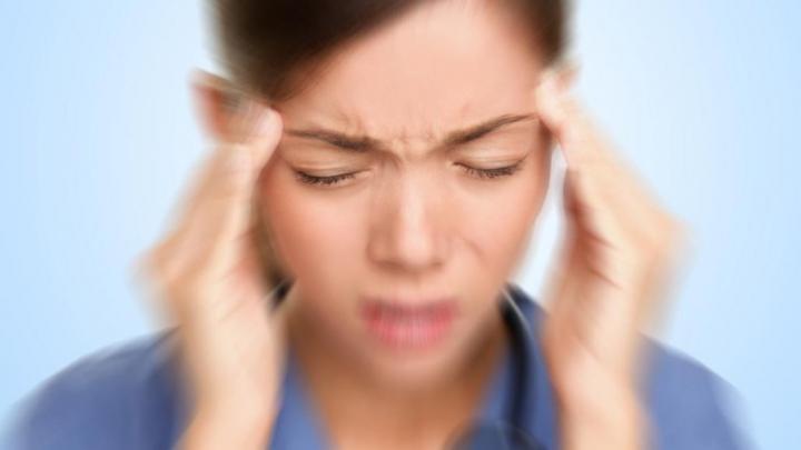 BINE DE ŞTIUT! Analize pe care trebuie să le faci când te doare capul