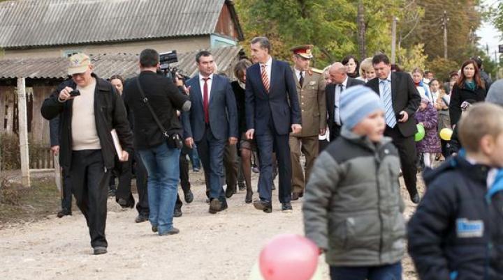 VIZITĂ IMPORTANTĂ! Principele României a venit cu oameni de afaceri în Republica Moldova