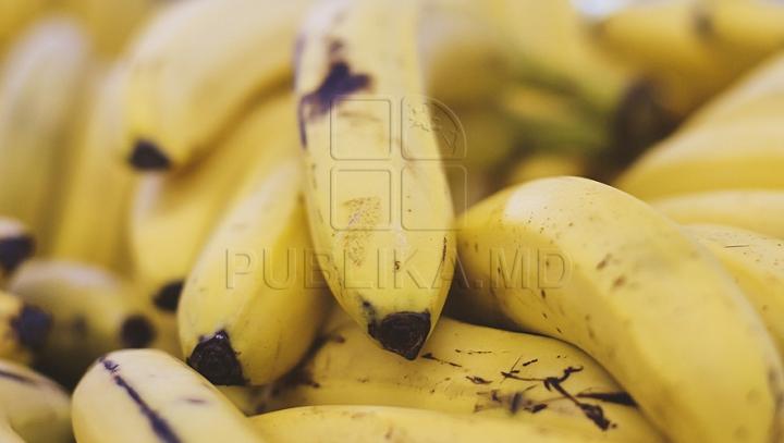 Obiceiul greşit pe care îl facem toţi când mâncăm banane. Ce au demonstrat cercetările (VIDEO)