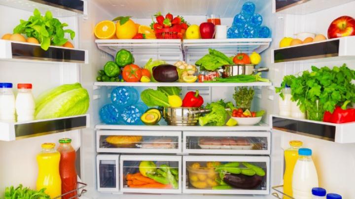 Se strică foarte repede! Alimente pe care nu trebuie să le ții în același loc în frigider