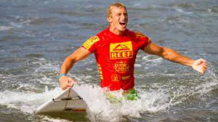 Campionatului Mondial de surfing din Australia. Cine este învingătorul