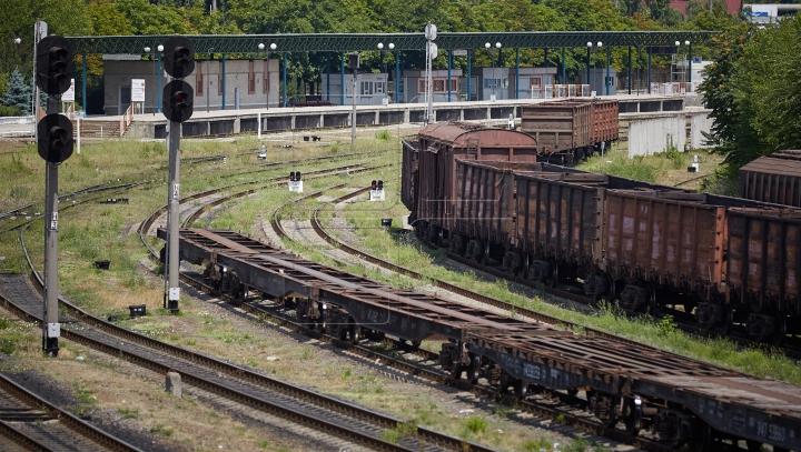 ACCIDENT FEROVIAR în România! Un tren a deraiat de pe şine