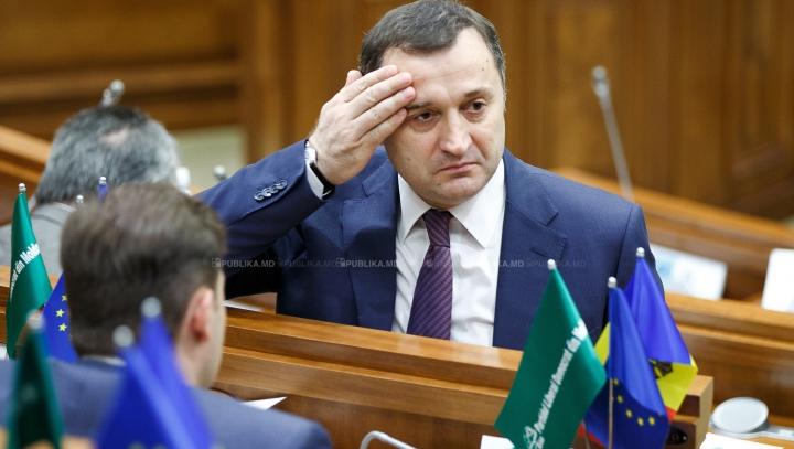 SENTINŢĂ! Ex-premierul Vlad Filat a fost condamnat la NOUĂ ANI de închisoare cu executare. PROCURORII CONTESTĂ DECIZIA