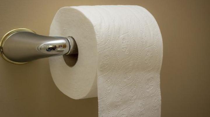 Pericolul ascuns din hârtia igenică. Bolile crunte care te-ar putea lovi