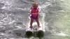 Încă nu a învățat bine să meargă, dar a doborât recordul la schi acvatic