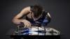 Tehnologie revoluţionară! Tânărul care este jumătate om şi jumătate cyborg (VIDEO)