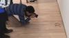 ULUITOR! Cineva şi-a pus ochelarii pe podea într-un muzeu, iar toată lumea a crezut că-i ARTĂ (FOTO)