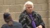 CLIPE DE COŞMAR pentru o bătrână de 80 de ani! Hoţii au ATACAT-O în plină stradă