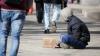 Gestul extraordinar al acestui om al străzii te va impresiona până la lacrimi (VIDEO)