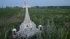 Mitropolia Moldovei: Crucile de pe marginea drumurilor trebuie demontate
