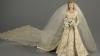 INEDIT! Rochia de mireasă și cea de la încoronarea reginei Elisabeta a II-a vor fi expuse
