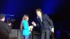 O fetiţă a cerut să cânte alături de idolul său pe scenă. Ce a urmat A ŞOCAT PUBLICUL (VIDEO)