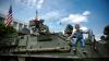 Piaţa Marii Adunări Naţionale, plină de vehicule militare americane (FOTOREPORT)
