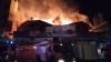 ÎŢI TAIE RESPIRAŢIA! Incendiul de la Piaţa Centrală, VĂZUT PRIN OCHII POMPIERILOR (VIDEO)