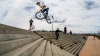 ACROBAŢIE SENZAŢIONALĂ! Kenneth Tencio a realizat cu bicicleta un back-flip pe scări