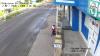 Moldova, ţară de minune! După borduri şi arbori de tuia a venit rândul lopeţilor să fie furate (VIDEO)