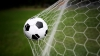 BĂTAIE cu PUMNI între un arbitru şi un jucător de fotbal (VIDEO)