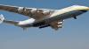 Australienii, UIMIŢI! Cel mai mare avion din lume a aterizat pe cel mai mic continent