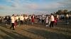 O plajă din Constanța s-a transformat într-o scenă pentru dansul Sirtaki
