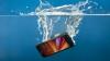 UTIL: Ce trebuie să faci dacă ţi-a căzut telefonul în apă