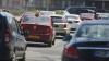 Un șofer o face pe șmecherul în Chișinău. Imagini incredibile surprinse pe viaduct (VIDEO)