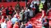 ALERTĂ CU BOMBĂ! Meciul United-Bournemouth, ANULAT din cauza unui pachet suspect găsit în tribune (VIDEO)