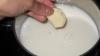 O adevărată minune! Descoperă ce se întâmplă dacă pui câțiva căței de usturoi în lapte