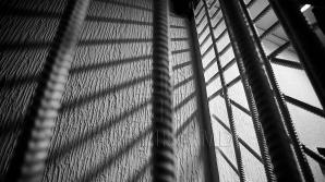 CNA și DIP au efectuat percheziții în cadrul unui penitenciar din Bender. Conducerea, sub urmărire penală