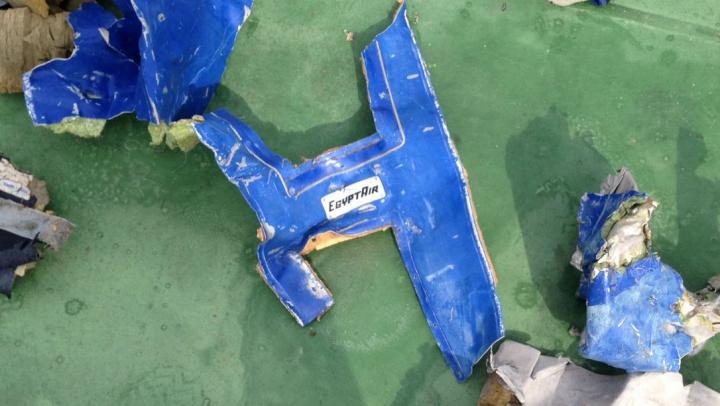 Ipoteză HALUCINANTĂ în cazul avionului EgyptAir prăbuşit în Mediterană. Ce ar fi provocat tragedia