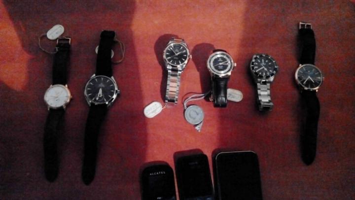 Ceasuri de valoare, furate din Moldova şi Italia, au fost descoperite la vama Palanca
