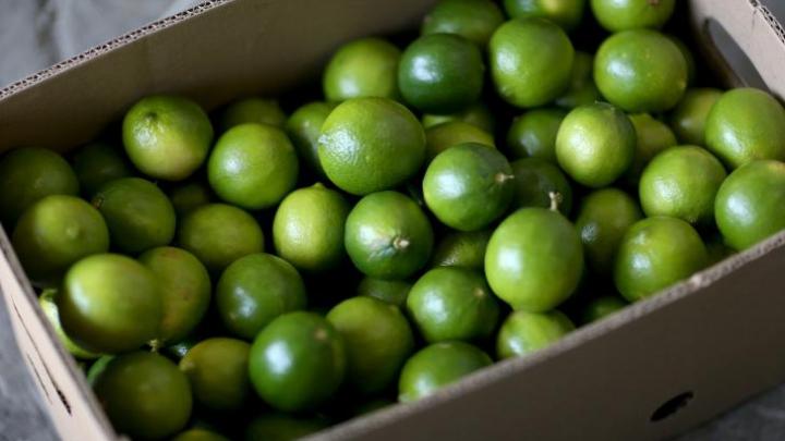 Lămâile verzi pot fi folosite ca deodorant natural
