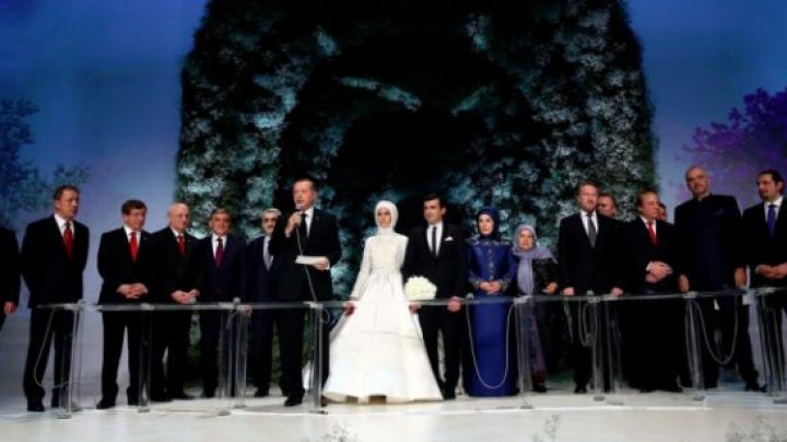 Nuntă mare cu 6.000 de invitaţi în Turcia! Mezina preşedintelui Erdogan s-a căsătorit