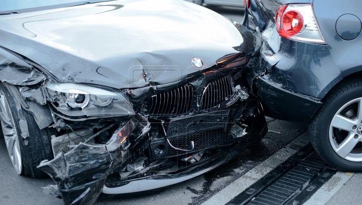 (VIDEO GROAZNIC) Două persoane, internate în spital în urma a două accidente cumplite
