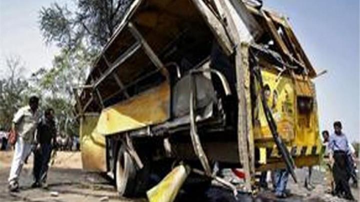 ACCIDENT TERIBIL în India: 15 persoane au murit în urma unei ciocniri frontale dintre două vehicule