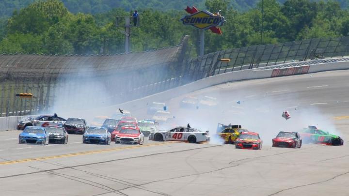 Câştigător surpriză în cursa de NASCAR. Cine i-a învins pe favoriții competiției