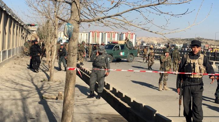 Afganistan: Cel puţin 30 de femei şi copii au fost ucişi în urma unei lovituri aeriene
