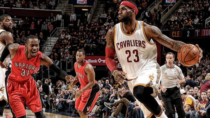 LeBron James l-a depăşit pe legendarul Wilt Chamberlain şi a intrat în top 5 al marcatorilor din NBA