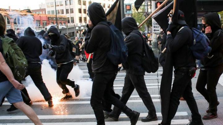 VIOLENŢE în SUA! Mai multe persoane au fost rănite în timpul unui protest la Seattle