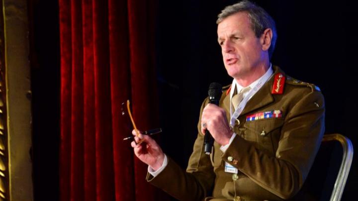 AVERTISMENTUL unui general NATO: E posibilă o CONFRUNTARE NUCLEARĂ cu Rusia în viitorul apropiat
