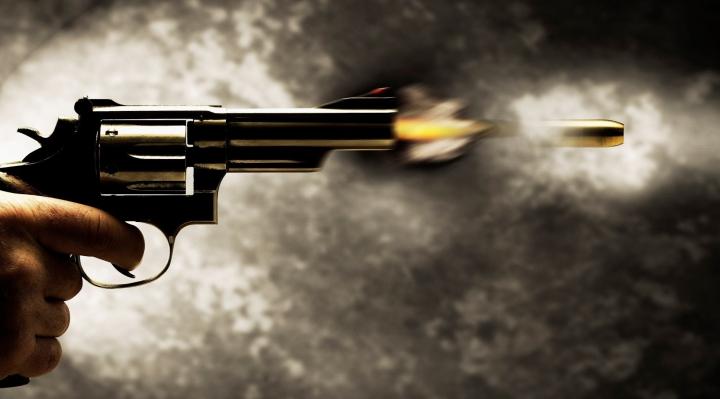 S-au trezit cu un glonte tras în apartament! O familie din Capitală, speriată de moarte (VIDEO)