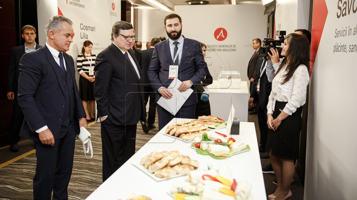 Forumul economic al AOAM: Cinci tineri antreprenori au primit granturi în valore de 50 de mii de lei