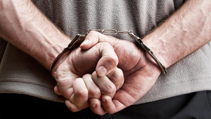 Reținut de Poliție, după mai bine de un an de căutări. Ce infracțiune a comis un bărbat din Chișinău (VIDEO)