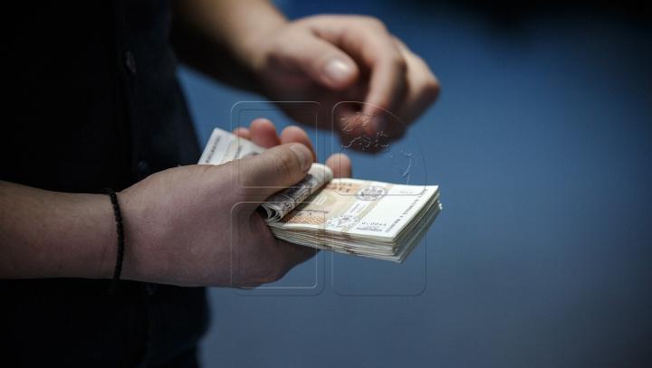 Parlamentul a transformat actele de corupţie din infracţiuni uşoare în infracţiuni grave