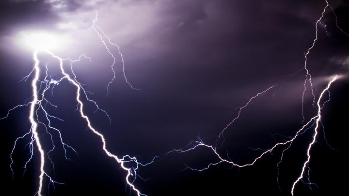 Capitala fulgerelor! Zona, lovită de peste 100.000 de fulgere anual (VIDEO)
