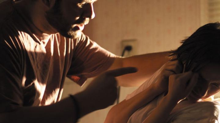 A apelat 902 după ce soțul ar fi agresat-o. Cum a explicat bărbatul incidentul (VIDEO)