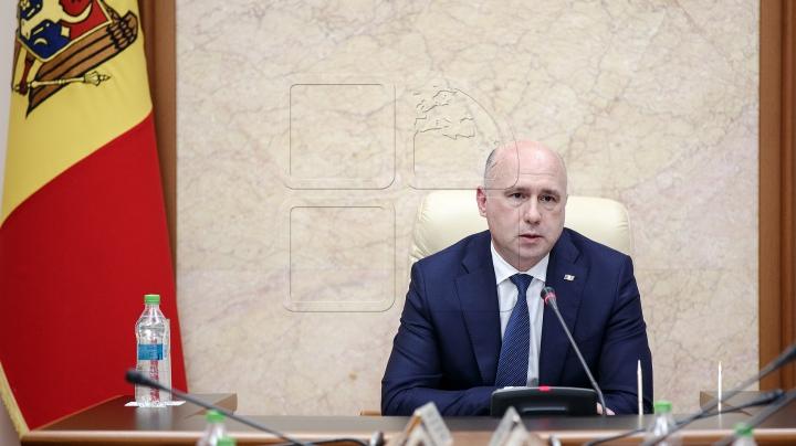 Premierul Filip a convocat DE URGENȚĂ instituțiile abilitate pentru a discuta situația cauzată de ploi