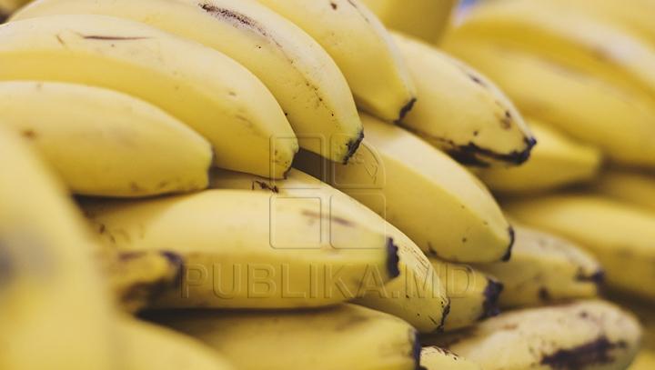 A RĂMAS ŞOCAT! Descoperirea făcută de un tânăr după ce a cumpărat banane de la supermarket