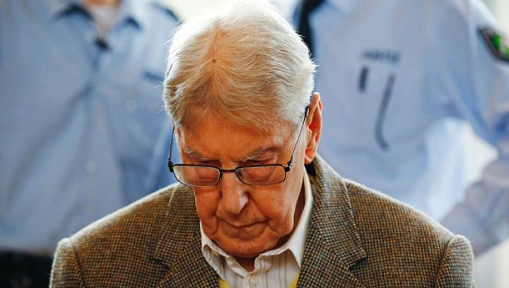 Fost gardian al lagărului de la Auschwitz, în vârstă de 94 de ani, CONDAMNAT la închisoare